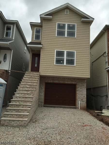 Additional photo for property listing at 226 Atlantic Street  Elizabeth, New Jersey 07206 États-Unis