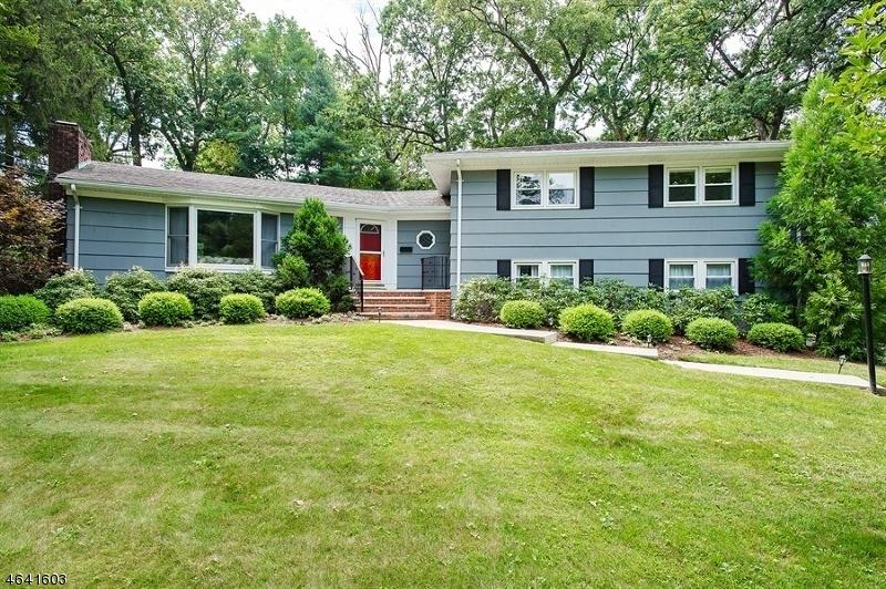 独户住宅 为 销售 在 31 Sussex Road 新普罗维登斯岛, 07974 美国