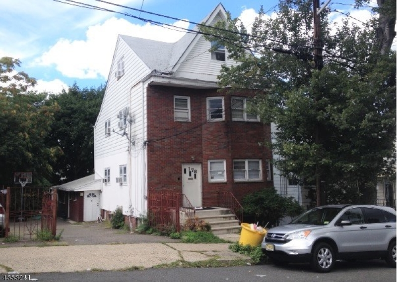 Additional photo for property listing at 178-180 E 19TH Street  Paterson, Nueva Jersey 07524 Estados Unidos