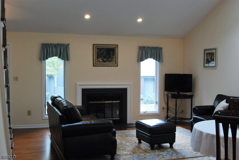 Additional photo for property listing at 73 Aspen Drive  Basking Ridge, New Jersey 07920 États-Unis