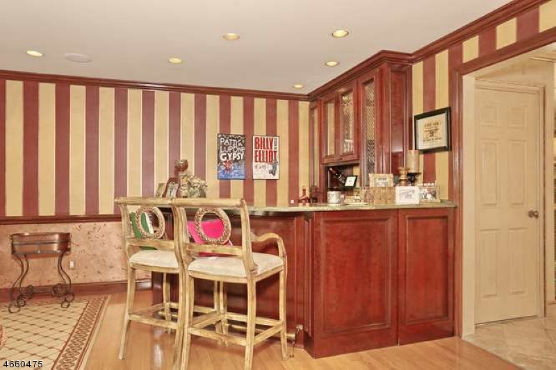 Additional photo for property listing at 465 Weymouth Drive  Wyckoff, New Jersey 07481 États-Unis