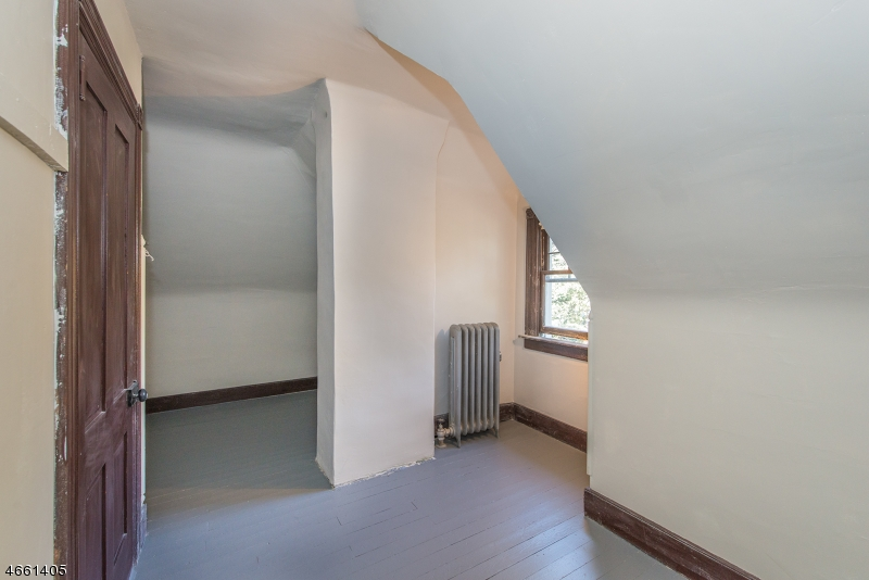 Additional photo for property listing at 167 Orange Road  Montclair, New Jersey 07042 États-Unis