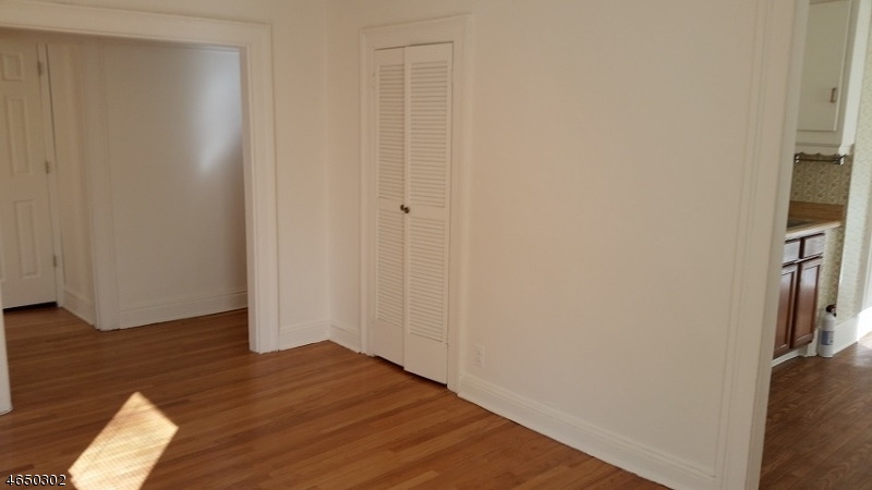 Additional photo for property listing at 40 Beach Street, 2R  Bloomfield, New Jersey 07003 États-Unis