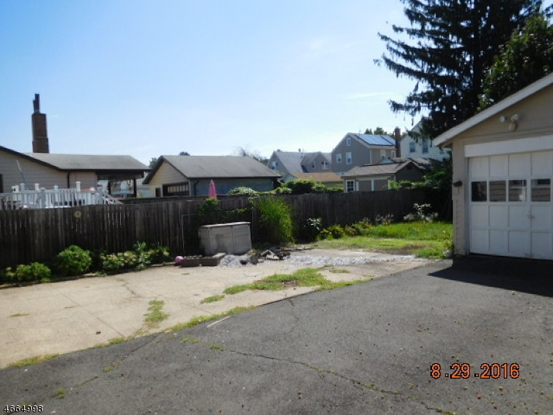 Additional photo for property listing at 17 Continental Avenue  Belleville, New Jersey 07109 États-Unis