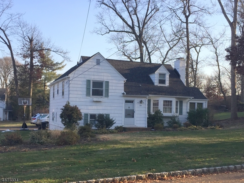 Single Family Home for Rent at 309 Seneca Place Westfield, 07090 United States