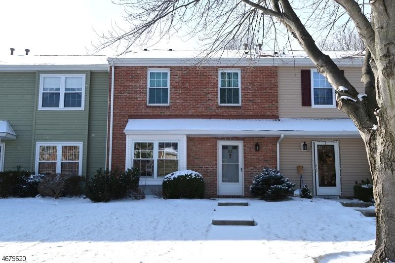Частный односемейный дом для того Аренда на 52 Gettysburg Way Lincoln Park, Нью-Джерси 07035 Соединенные Штаты