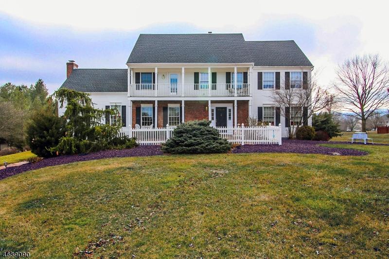 独户住宅 为 销售 在 4 Darby Court 安嫩戴尔, 08801 美国