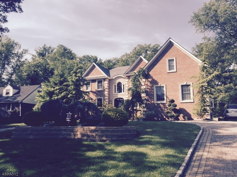 独户住宅 为 销售 在 96 Briarheath Lane Clark, 07066 美国