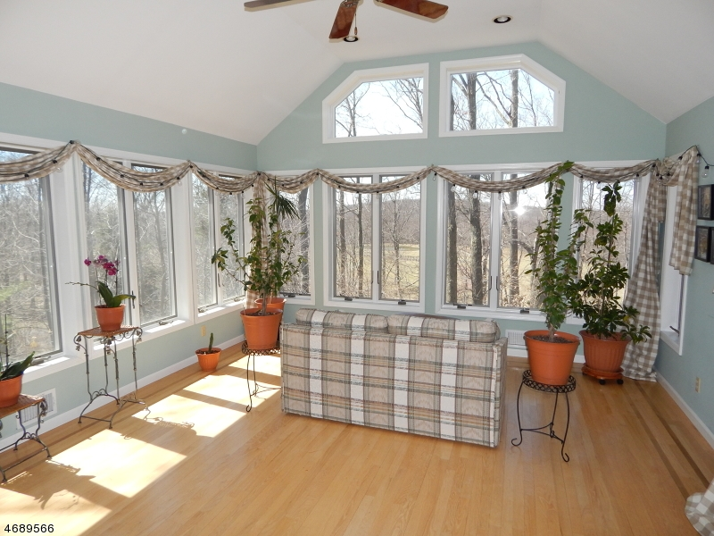Additional photo for property listing at 7 Indian Run Road  Washington, Nueva Jersey 07853 Estados Unidos