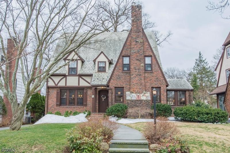 Casa Unifamiliar por un Venta en 43 STANFORD Place Glen Ridge, Nueva Jersey 07028 Estados Unidos