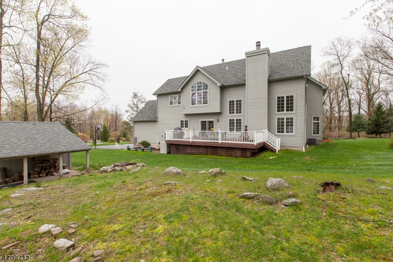 Additional photo for property listing at 1 Woodstock Drive  Vernon, New Jersey 07461 United States