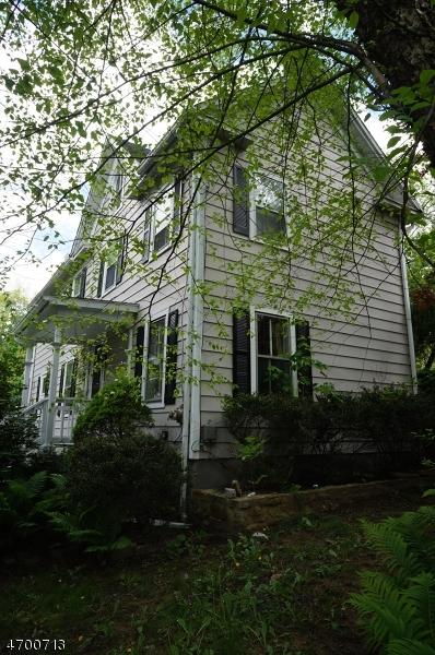 Частный односемейный дом для того Продажа на 24 Academy Street Califon, Нью-Джерси 07830 Соединенные Штаты