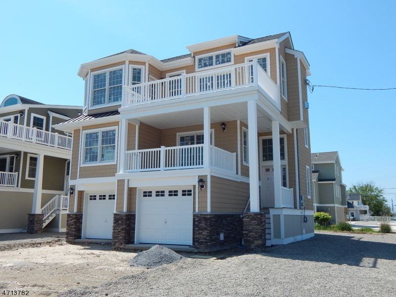 Single Family Home for Sale at 226 Glendola Avenue Beach Haven, New Jersey 08008 United States