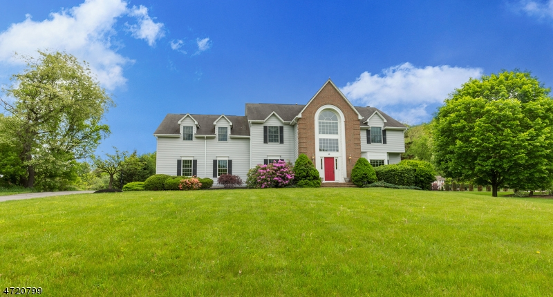 Additional photo for property listing at 10 Yorkshire Drive 10 Yorkshire Drive Washington Township, ニュージャージー 07853 アメリカ合衆国