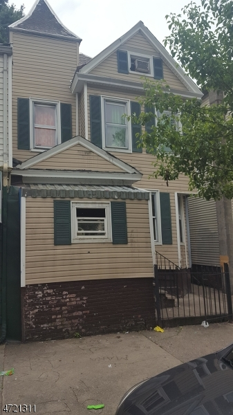 Additional photo for property listing at 218 17th Avenue  Paterson, New Jersey 07504 Amerika Birleşik Devletleri