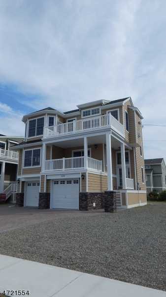 Maison unifamiliale pour l Vente à 226 Glendola Avenue Beach Haven, New Jersey 08008 États-Unis