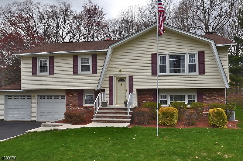 Single Family Home for Sale at 7 Glenn Drive Flanders, New Jersey 07836 United States