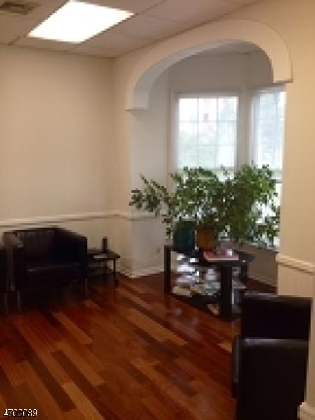 商用 为 销售 在 158 Morris Street 莫里斯敦, 新泽西州 07960 美国