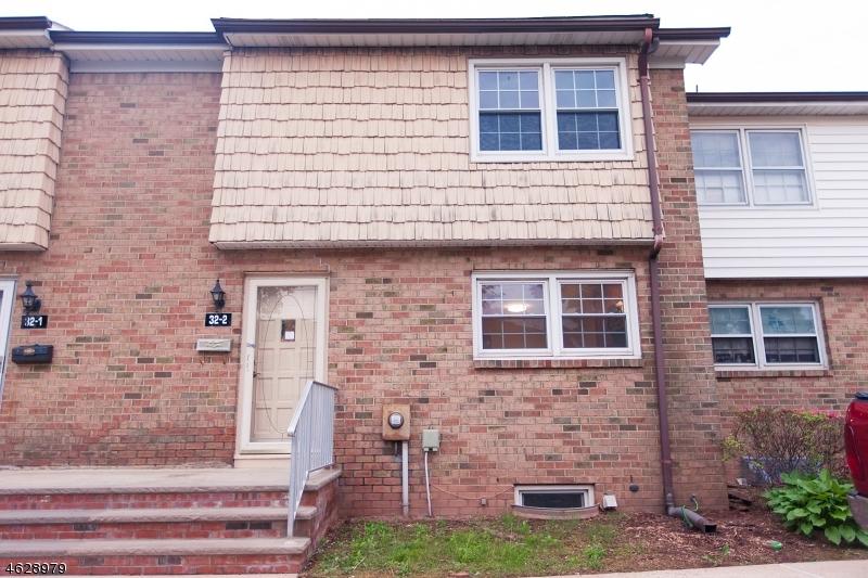 独户住宅 为 出租 在 32-2 FARM Road 希尔斯堡, 新泽西州 08844 美国