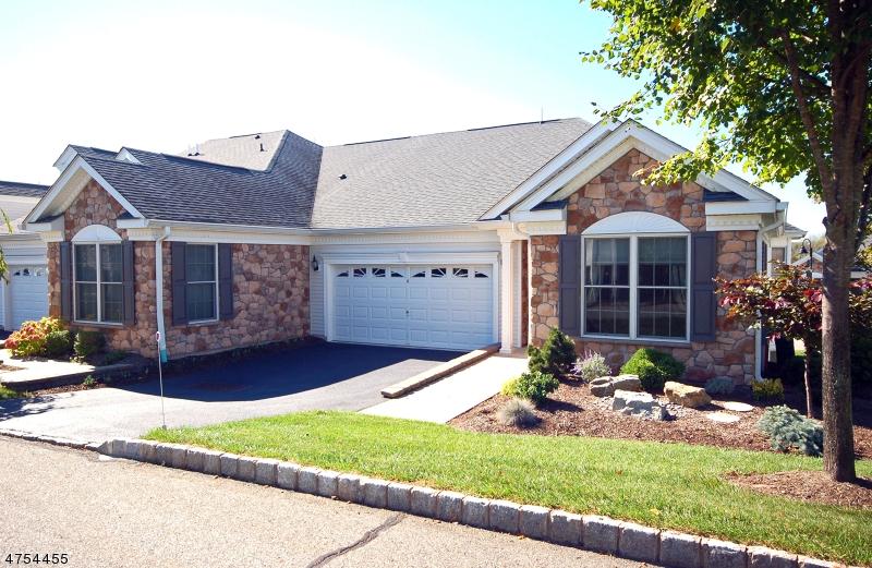 Einfamilienhaus für Verkauf beim 18 Quartz Way 18 Quartz Way Woodland Park, New Jersey 07424 Vereinigte Staaten