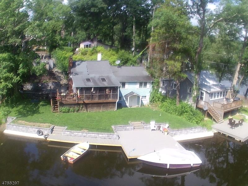 Maison unifamiliale pour l Vente à 19 Laurel Cove Road Byram Township, New Jersey 07821 États-Unis