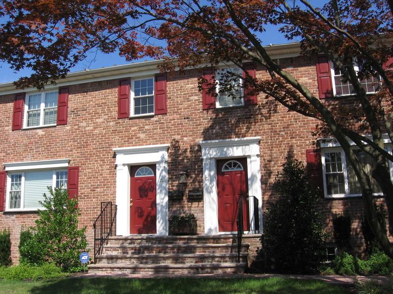 Частный односемейный дом для того Аренда на 69B New England Avenue Summit, Нью-Джерси 07901 Соединенные Штаты