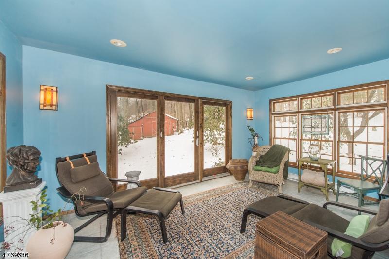 Nhà ở một gia đình vì Bán tại 210 Emmans Road 210 Emmans Road Roxbury Township, New Jersey 07836 Hoa Kỳ