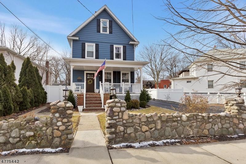 独户住宅 为 销售 在 4 Hollywood Avenue 克兰弗德, 新泽西州 07016 美国