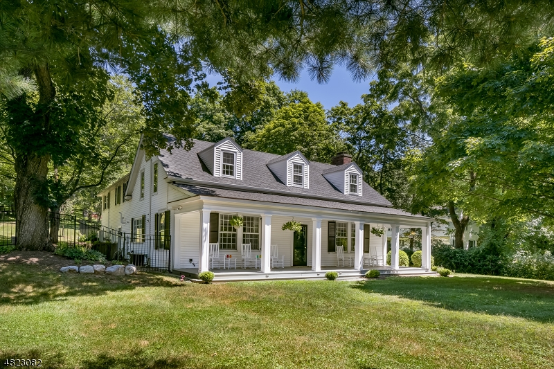 Частный односемейный дом для того Продажа на 40 MAIN Street Peapack Gladstone, Нью-Джерси 07931 Соединенные Штаты