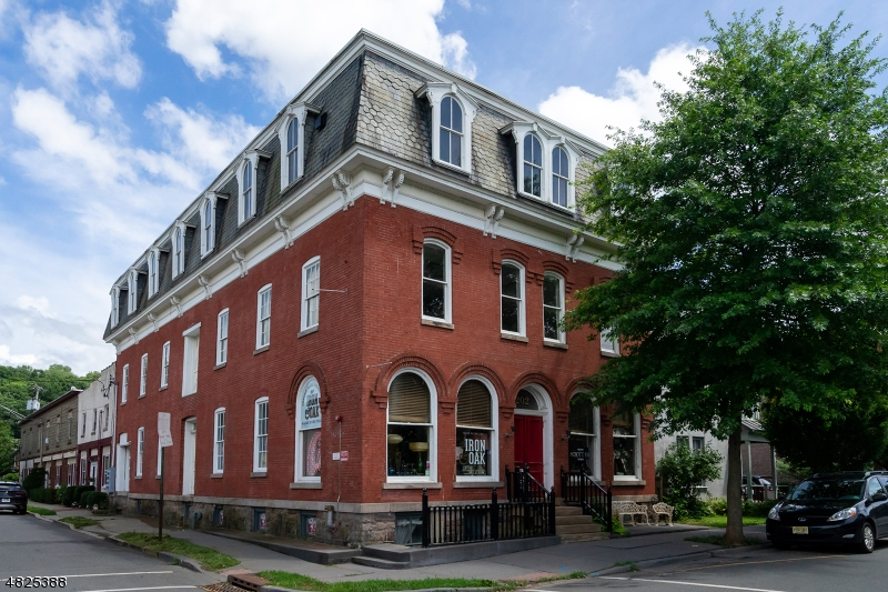 Commercial for Sale at 202 N UNION Street Lambertville, New Jersey 08530 United States