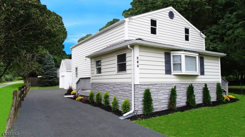 Single Family Home for Sale at 285 COUNTY ROUTE 579 Bloomsbury, New Jersey 08804 United States