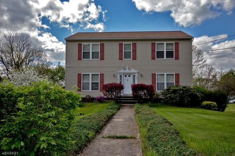 Villa per Vendita alle ore 12 KING COLE Road Hamburg, New Jersey 07419 Stati Uniti