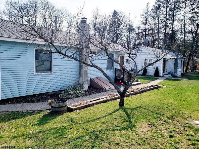 Maison avec plusieurs logements pour l Vente à 44 MAIN Street Ogdensburg, New Jersey 07439 États-Unis