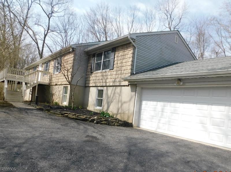 Частный односемейный дом для того Продажа на 8 GLENN Avenue Glen Gardner, Нью-Джерси 08826 Соединенные Штаты
