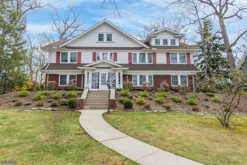 Enfamiljshus för Försäljning vid Caldwell, New Jersey 07006 Förenta staterna
