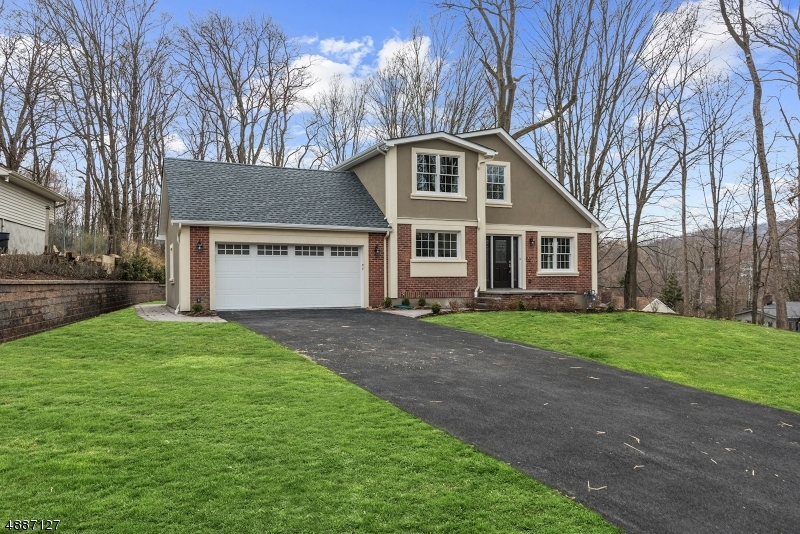Single Family Home for Sale at Oakland, New Jersey 07436 United States