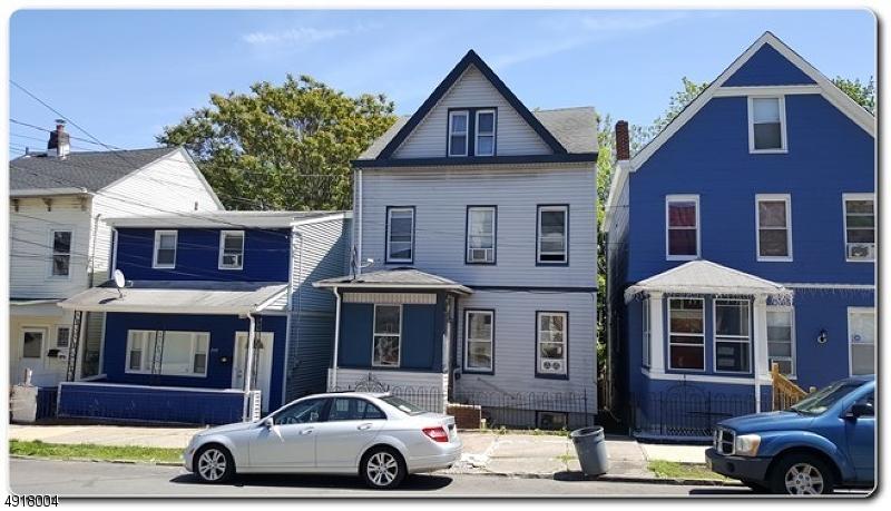 Multi-Family Homes pour l Vente à Prospect Park, New Jersey 07508 États-Unis