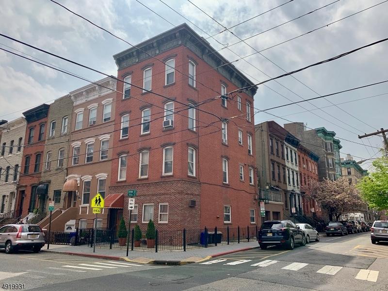 Multi-Family Homes pour l Vente à Hoboken, New Jersey 07030 États-Unis