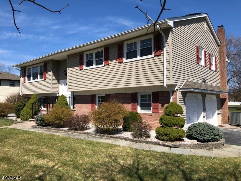 Single Family Homes per Vendita alle ore Hanover, New Jersey 07981 Stati Uniti