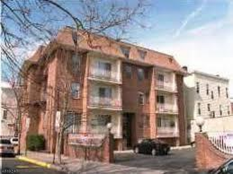 Additional photo for property listing at 17-21 PATTERSON Street  Newark, New Jersey 07105 États-Unis
