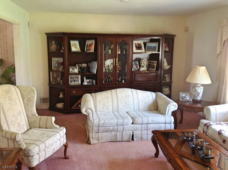 Additional photo for property listing at 7 Lord Stirling Drive  Parsippany, 新泽西州 07054 美国