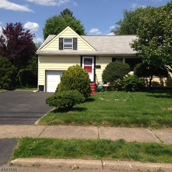 Single Family Home for Sale at 34 Calstan Place Clifton, New Jersey 07013 United States