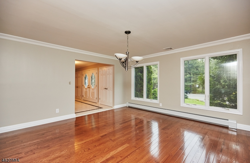 Additional photo for property listing at 97 Helen Court  Franklin Lakes, Nueva Jersey 07417 Estados Unidos
