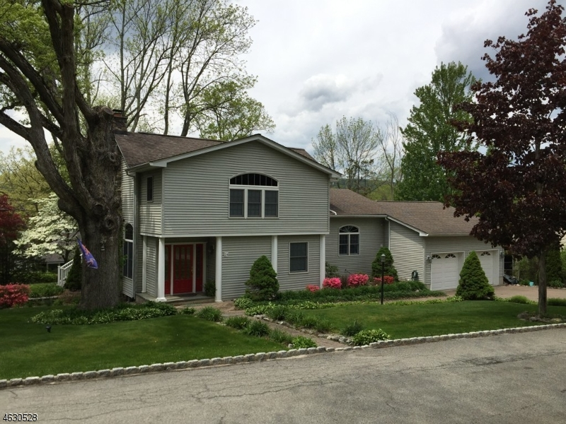 Additional photo for property listing at 24 Forge Road  Hewitt, New Jersey 07421 États-Unis