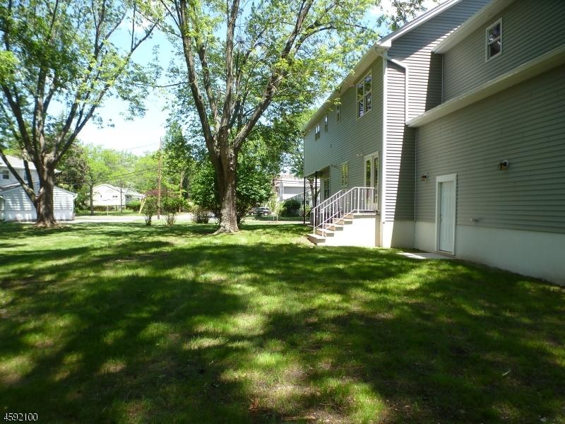 Additional photo for property listing at 4 Richard Lane  Wayne, New Jersey 07470 United States
