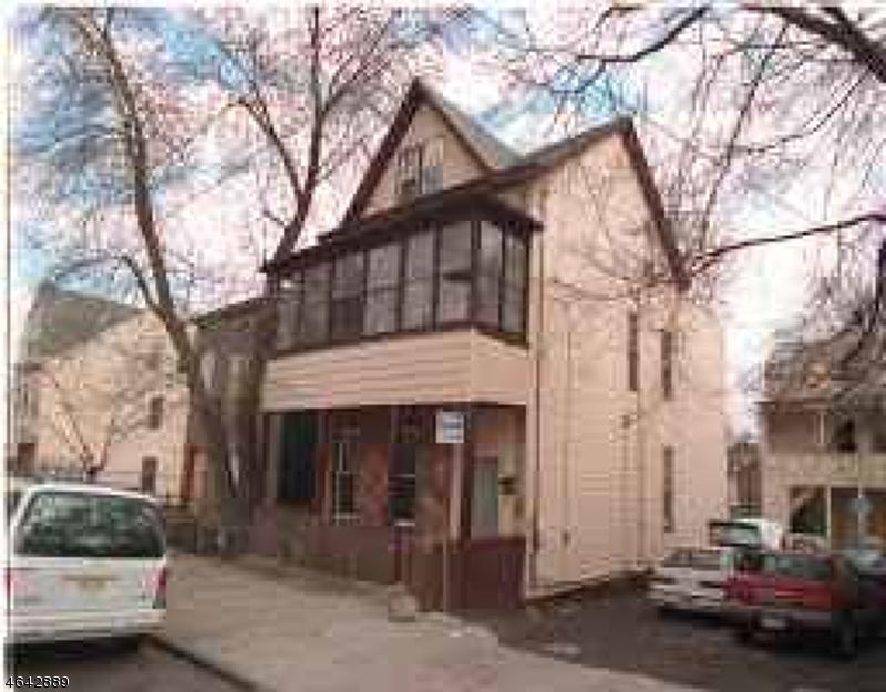 Casa Multifamiliar por un Venta en 10 N 4th Street Paterson, Nueva Jersey 07522 Estados Unidos