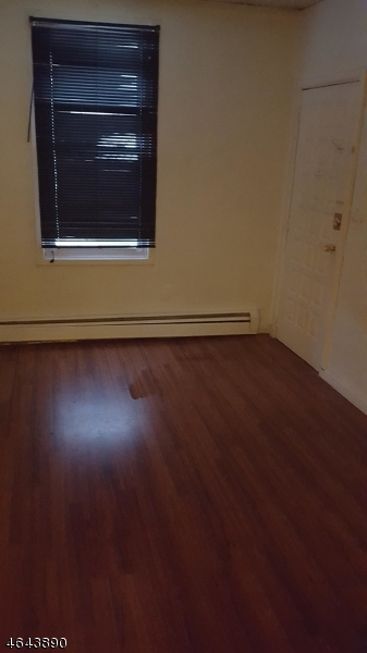 Additional photo for property listing at 308 308 Pacific Street  Paterson, 新泽西州 07503 美国