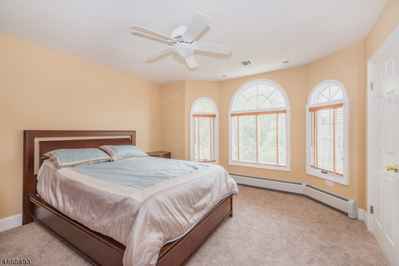Additional photo for property listing at 18 Ashland Drive  Montville, Nueva Jersey 07045 Estados Unidos
