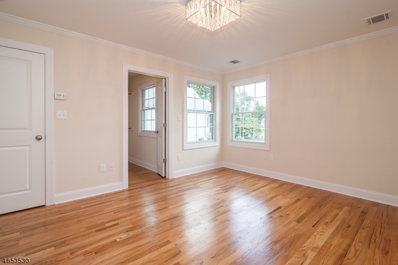Additional photo for property listing at 36 W Hanover Ave, Unit B  Morris Plains, New Jersey 07950 United States