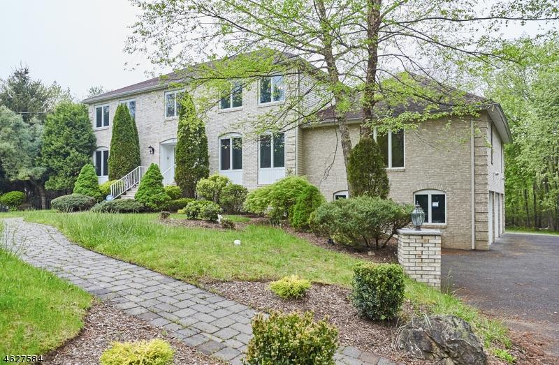 Casa Unifamiliar por un Venta en 97 Helen Court Franklin Lakes, Nueva Jersey 07417 Estados Unidos